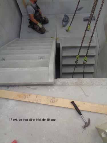 17 oktober 2018: trap  geplaatst bij 15 appartementen