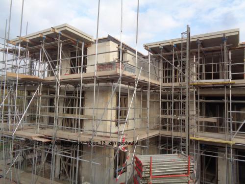 21 november 2018: balkons appartementen 12 en 13 zijn geplaatst