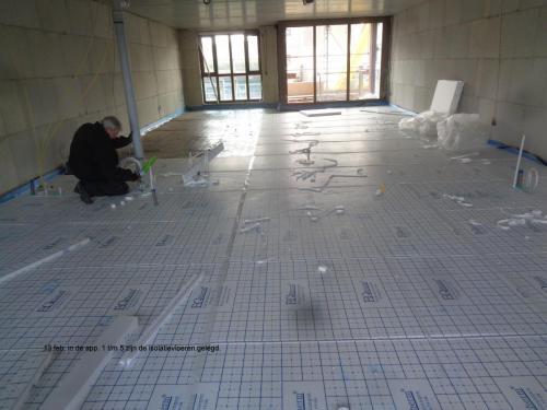 13 februari 2019: isolatievloeren gelegd in appartementen 1 t/m 5