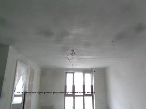 27 maart 2019: plafonds begane grond en 1e verdieping zijn gespoten