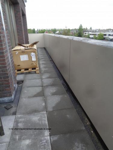3 mei 2019: afwerking binnenzijde balustrade 3e etage
