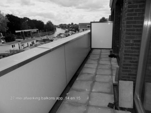 27 mei 2019: afwerking balkons appartementen 14 en 15