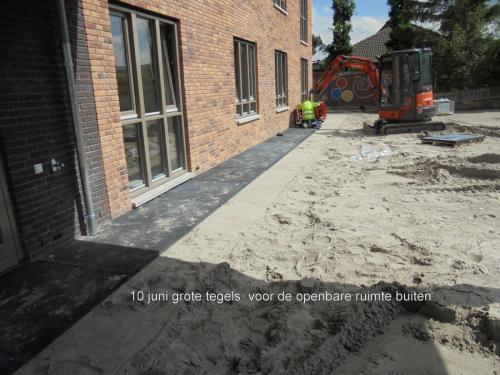 10 juni 2019: grote tegels voor de openbare ruimten buiten